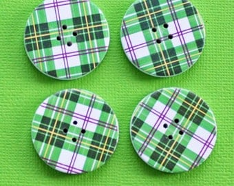 6 Large Wood Buttons Green Plaid Design 30mm - BUT68