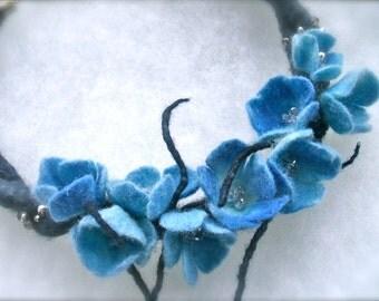 Blue flowers necklace -felt flowers-  felt necklace- floral accessories - handmade- wool necklace