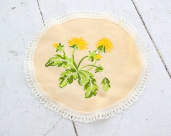 1970s Embroidered Dandelion Doily