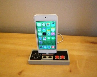 Nintendo NES iPhone 7, 6, 5 charging dock controller