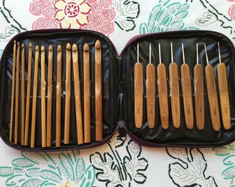 20 Bamboo Crochet Hooks, Full Gift Set, Lightweight, Ergonomic, Eco-Friendly, Size C to N, Steel Hook Sizes 1 to 2.75 mm, Gifts Under 20