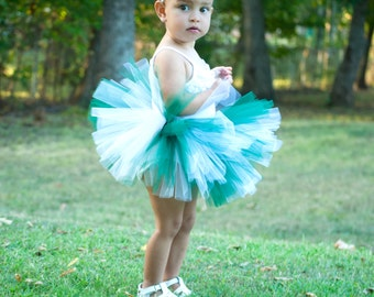 Michigan State Baby Tutu in Green and White with Flower Headband - Spartan Tutu Set - Green Baby Tutu - Baby Tutu Set - Toddler Tutu - Tutu