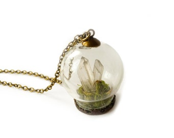 Crystal Terrarium Necklace - Quartz Garden Necklace, Terrarium Pendant, Fairy Garden, Real Moss Necklace, Miniature Terrarium, Gift for Her
