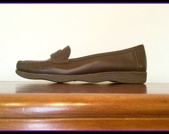 1970s deadstock chocolate leather Famolare Italian loafers US 6.5/EUR 37/UK 4.5