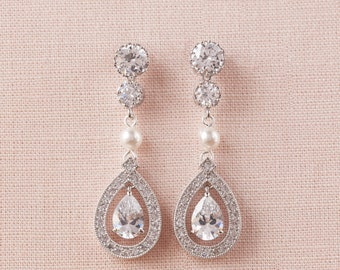 Pearl Crystal Bridal Earrings, Swarovski Crystal wedding earrings Rhinestone  Bridesmaids Dainty Misty Bridal Earrings