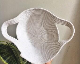 medium rope bowl with handles //