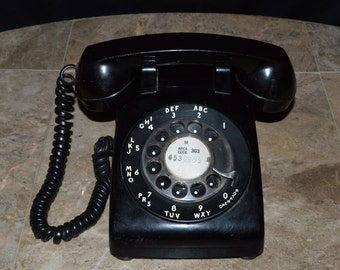 Vintage Rotary Dial Phone - Bell Systems / Western Electric - Black & White 1960's Model 500 - Retro / Classic Phone