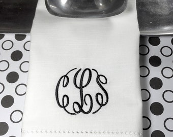 Monogrammed Embroidered Cloth Napkins Lucy Scroll / Set of 4 / personalized gift, monogram, wedding linens, embroidered napkins, script