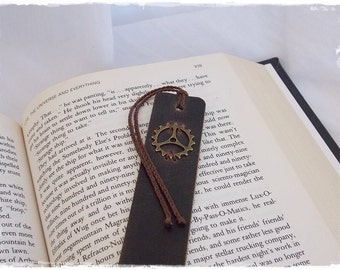 Steampunk Bookmark, Engineer's Graduation Gift, Engineering Bookmark, Clock Cog Bookmark, Leather Bookmark, Student Bookmark, Teacher's Gift
