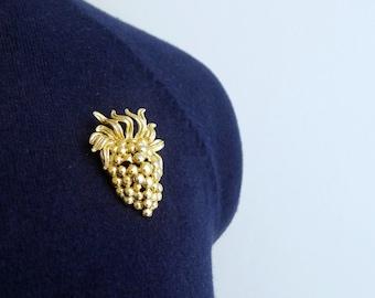 Vintage 50's 60's NAPIER Grape Bunch Goldtone Brooch