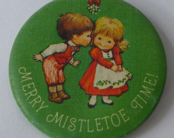 Vtg Merry Mistletoe Time! Christmas button by Hallmark Made in USA