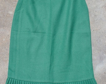 XMAS in JULY SALE : 1940s green skirt