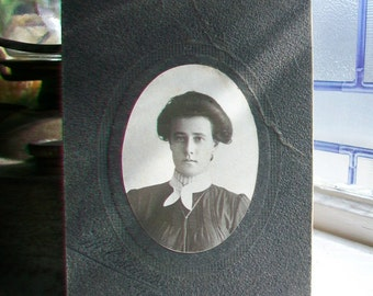Antique Victorian Cabinet Card Photograph Woman 1800s