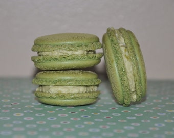 Almond French Macarons Matcha Green Tea, sweet and delicious Cookie Gift !