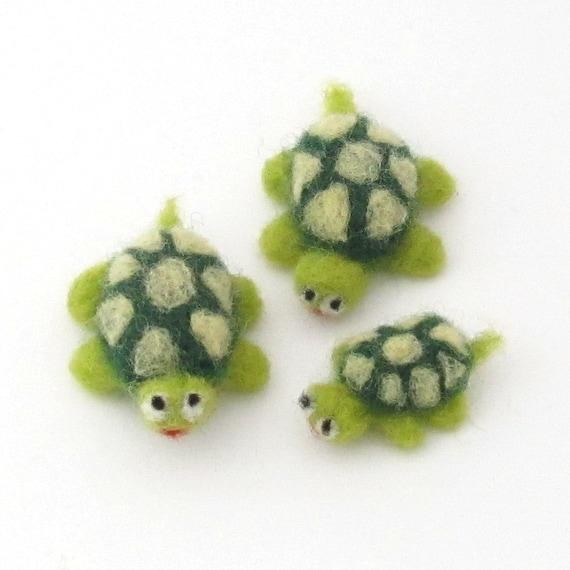 Needle felted Turtles, 3 cute felt animals, Green  wool felt turtoise - Needle felted animal, wool felt turtle