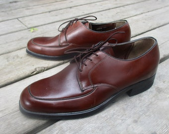 New Old Stock 1960s  Ritchie Shoes For Men /  Vintage Brown Leather Oxfords / Sixties Dress Shoes Size 6