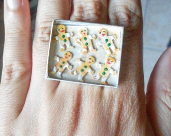 Micro Gingerbread men on a baking sheet ring - Christmas collection 2016 - handmade miniature polymer clay jewelry gift under 20 USD