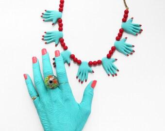 HANDS NECKLACE - seafoam