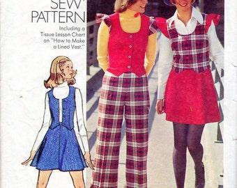 """1970s Women's Vest, Short Skirt & Pants Pattern - Size 12, Bust 34"""" - Simplicity 5852"""