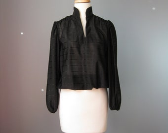 Black Top / Vtg 70 / Simple Black Top with V neck and Gathered Sleeves
