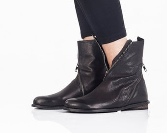 Black leather boots, Zipped womens boots, Biker style boots