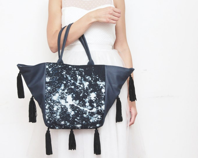 Bleached denim tote bag. Leather tote. Large shoulder bag. Shopping bag. Hand colored fabric. Natural leather tassel. Black bag. /TASSEL FUN