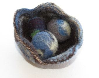 100% merino wool felted flower bowl-blue and brown