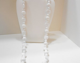 "Vintage 30"" White Plastic Beaded Necklace (2123)"