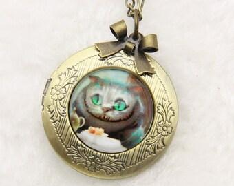 Necklace locket Cheshire Cat alice 2020m