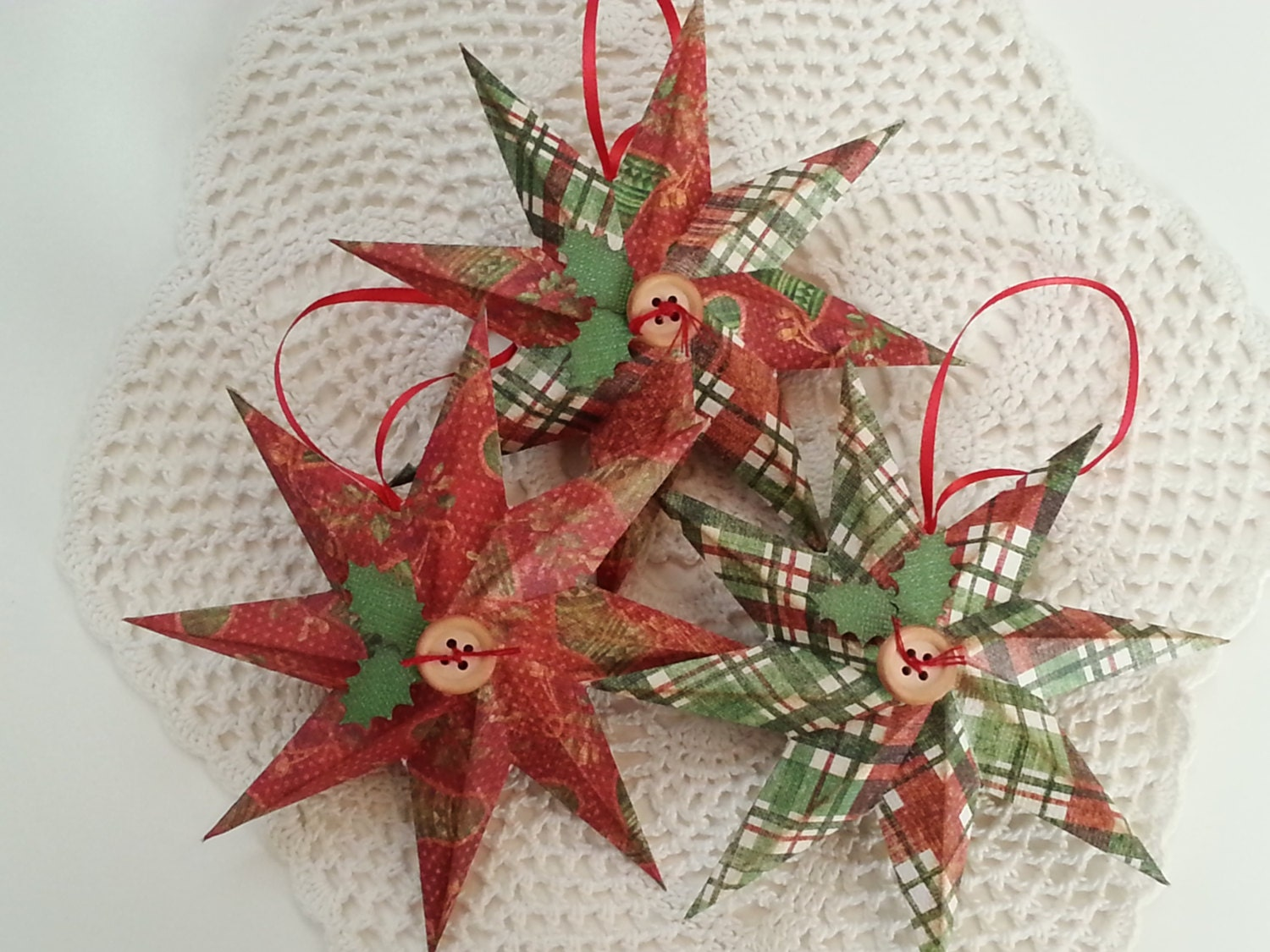Christmas ornament set of 3 3d 8 point paper star with red