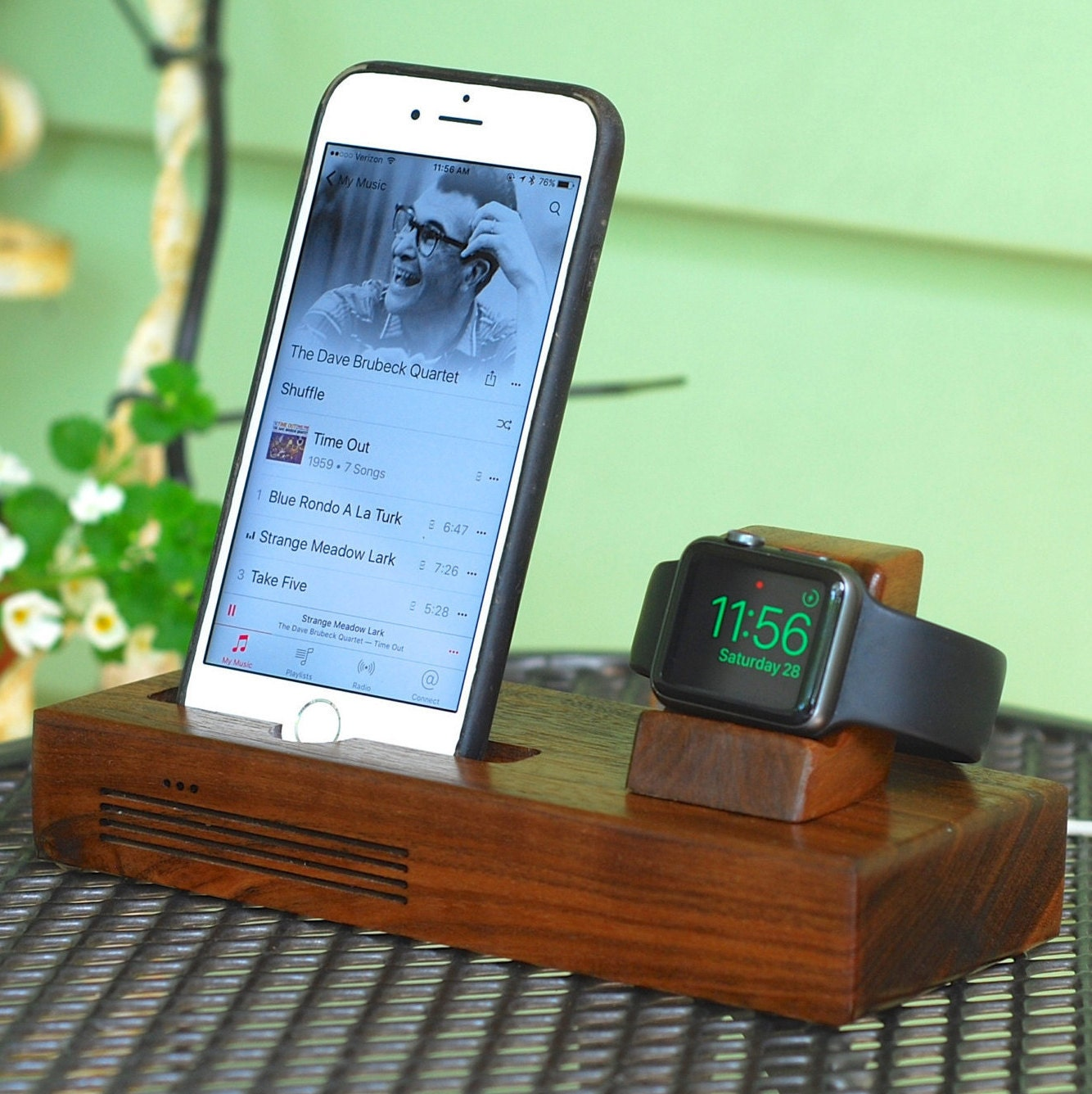 iphone apple watch docking station the concert by. Black Bedroom Furniture Sets. Home Design Ideas