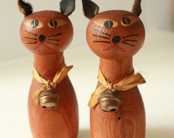 Mid Century Teak Cat Salt and Pepper Shakers with Bells