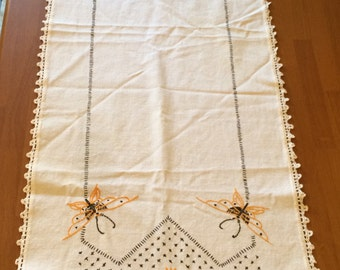 Vintage Embroidered Yellow Flowers And Yellow Butterflies Table Runner