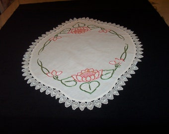 Linen and Point Lace Doily - Dresser Scarf ~ Oval-shaped ~ Floral and French Knot Embroidery