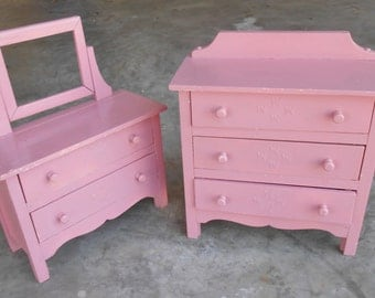 AntiqueToy Furniture Doll Clothing Storage Set Pair of Dresser and Vanity Miniature Wood Furniture Jewelry Storage