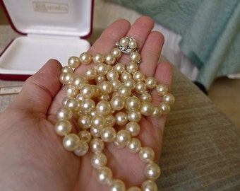 Vintage Majorica Brand Imitation Pearl Necklace