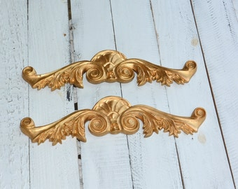 Vintage Gild Gold Scroll Center Onlay Fireplace Pediment Furniture Architectural Trims  Applique Cottage Chic Wall Decor