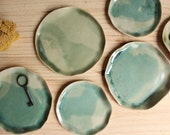 Ring dish Soap dish Stoneware handbuilt little plate Turquoise to green brilliant or glossy glazes - Ready to ship