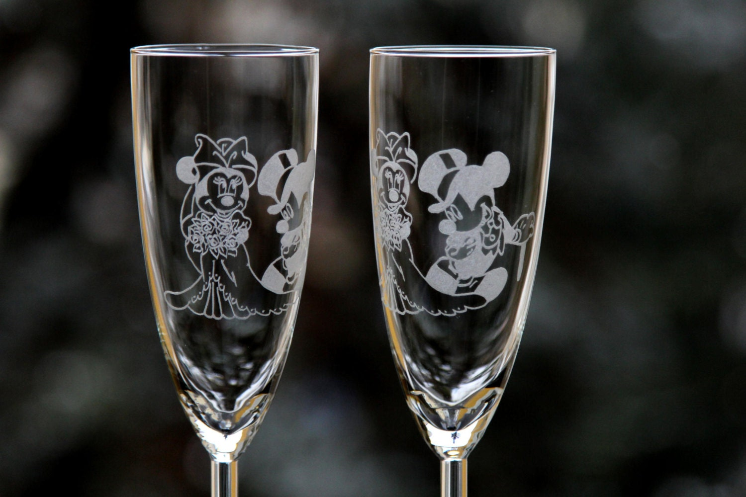 2 Engraved Wedding Glasses Mickey And Minnie Mouse Bride And