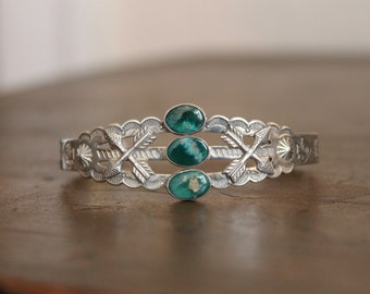 Vintage Fred Harvey era three stone turquoise and sterling silver bracelet cuff