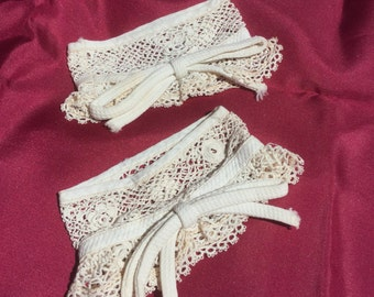 Pair of Antique Lace Cuffs Vintage Bow