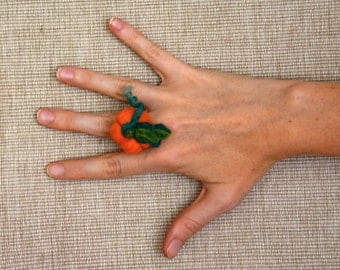 Pumpkin ring, orange felted pumpkin, Halloween jewelry, needle felted ring, eco friendly, Pumpkin jewelry, fun ring