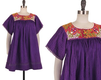 Oaxacan Dress / 1970s Vintage Embroidered Mexican Purple Cotton Hippie Boho Festival Trapeze Tent 70s Ethnic Floral Tunic Mini Dress XS/S/M