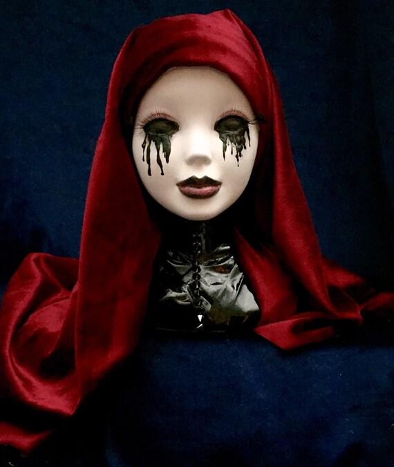 Sister Veronika Of The Vatican Sin Eater's Original Undead Vampire Biohazard Bust