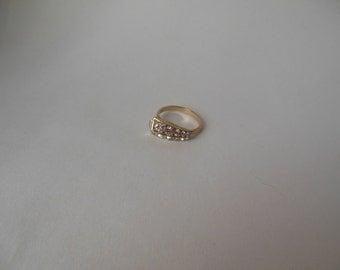 Vintage Sarah Coventry adjustable rhinestone ring