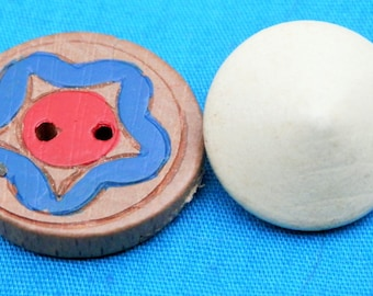 SET Vintage Wood Painted Buttons
