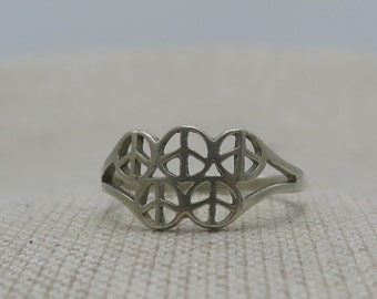 Vintage Silver Peace Sign Statement Ring
