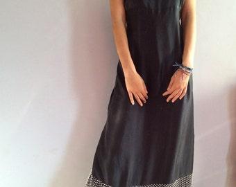 Robe à bretelles en soie noire robe longue en soie 90s robe maxi robe longue à bretelles brodé perles