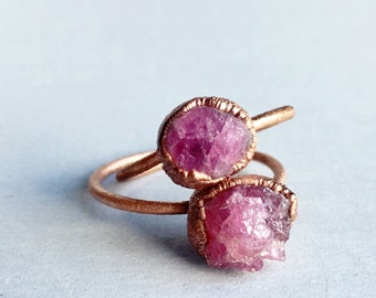 Pink Raw Stone Ring | October Birthstone Crystal Ring | Tourmaline Copper Ring | Pink Rock Ring | Copper Electrofomred Ring | Gift for Her