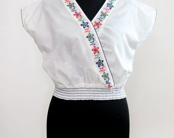 1970s Shirred Embroidered White Top